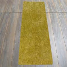 Green Indulgence Shaggy Runner