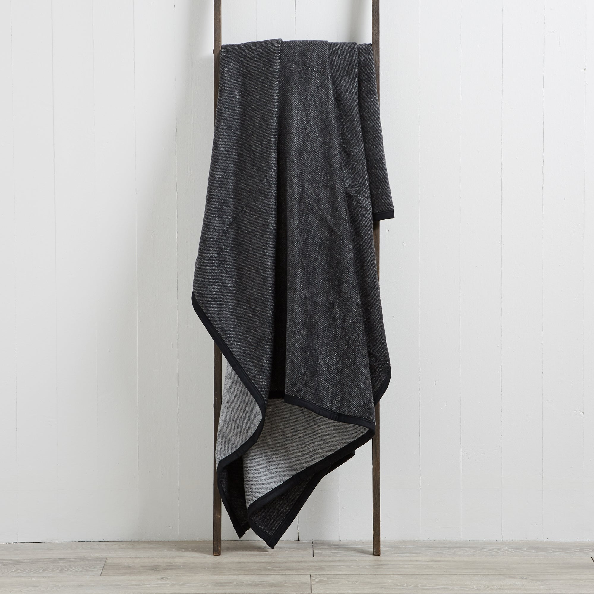 Grey Texture Thermosoft Throw
