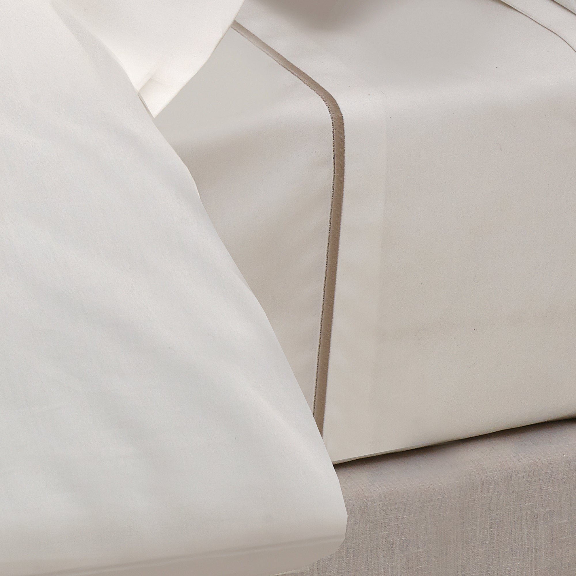 Champagne Hotel Chelsea Collection 400 Thread Count Flat Sheet
