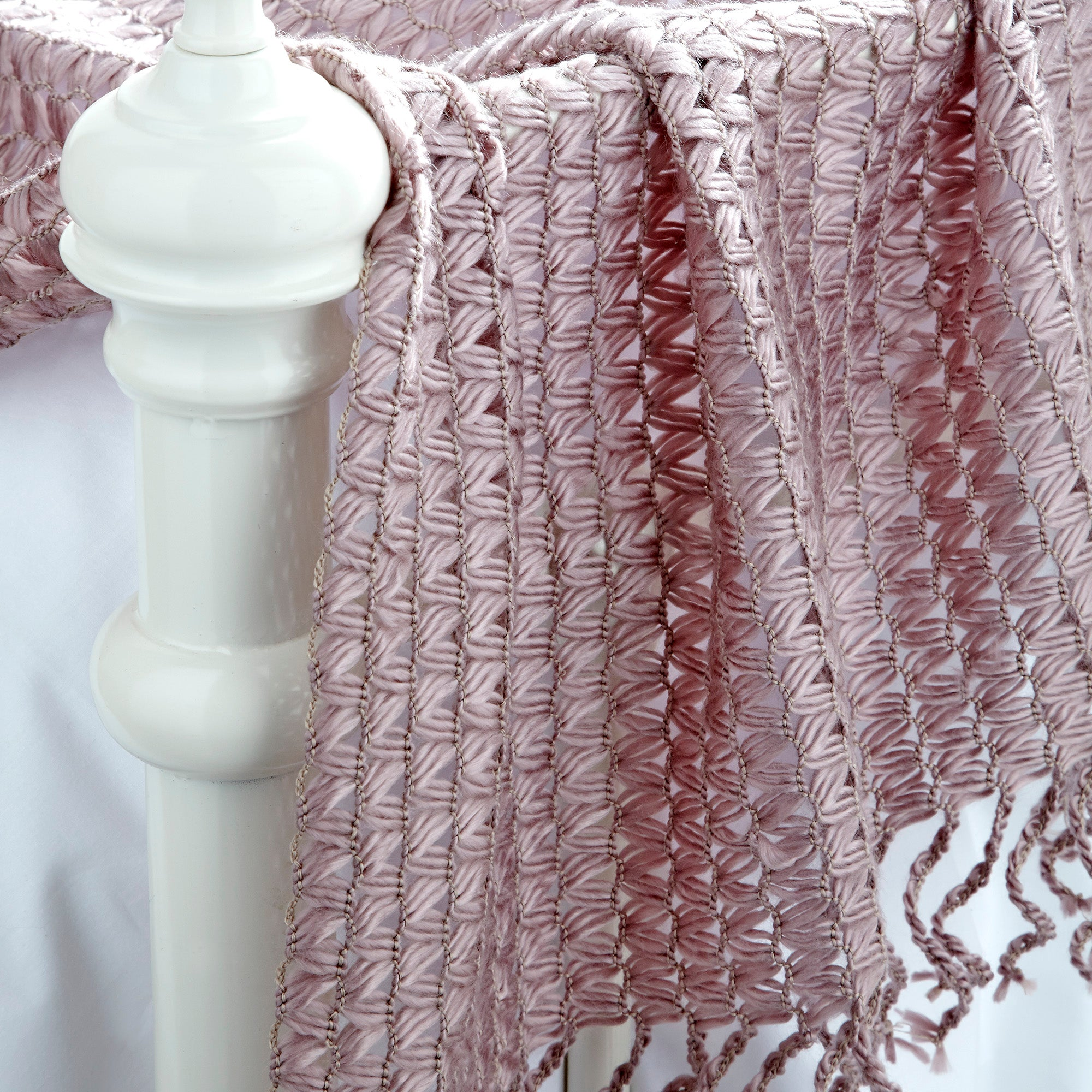 Mauve Knitted Throw