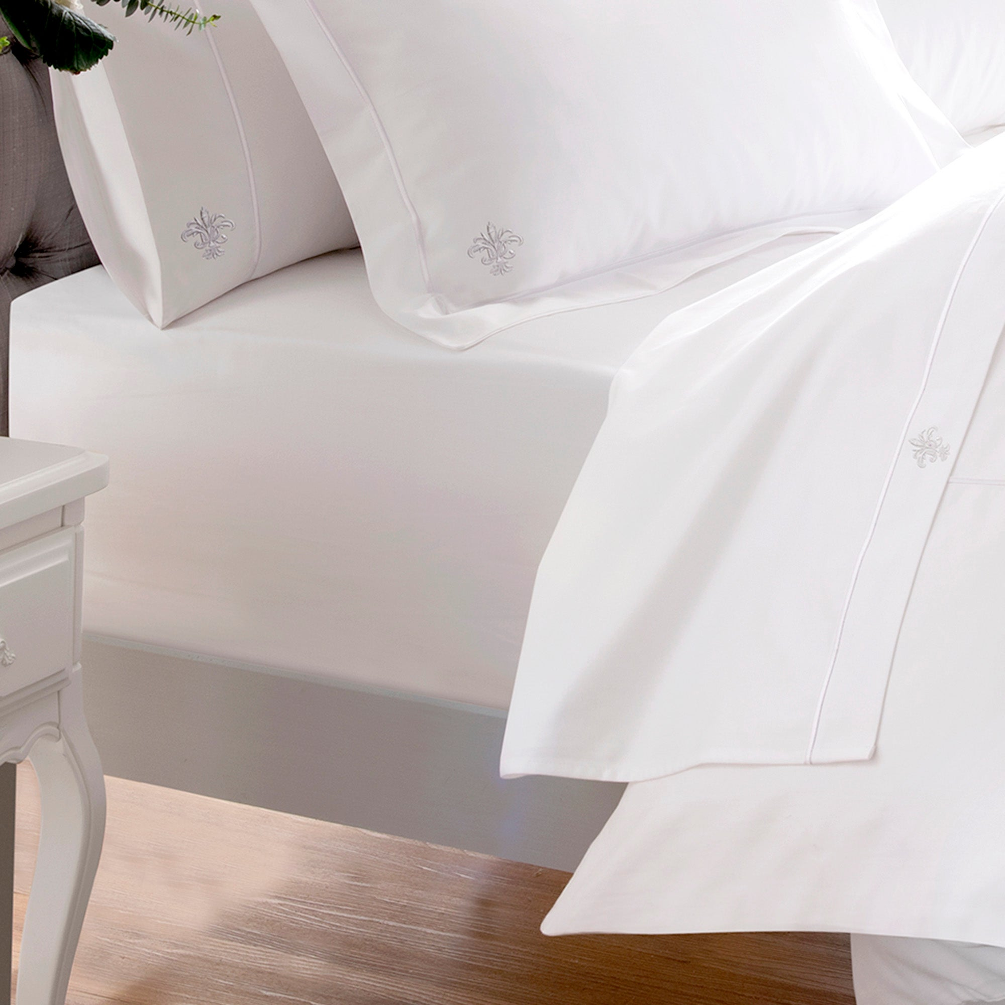 Dorma 1000 Thread Count Collection Egyptian Cotton Fitted Sheet