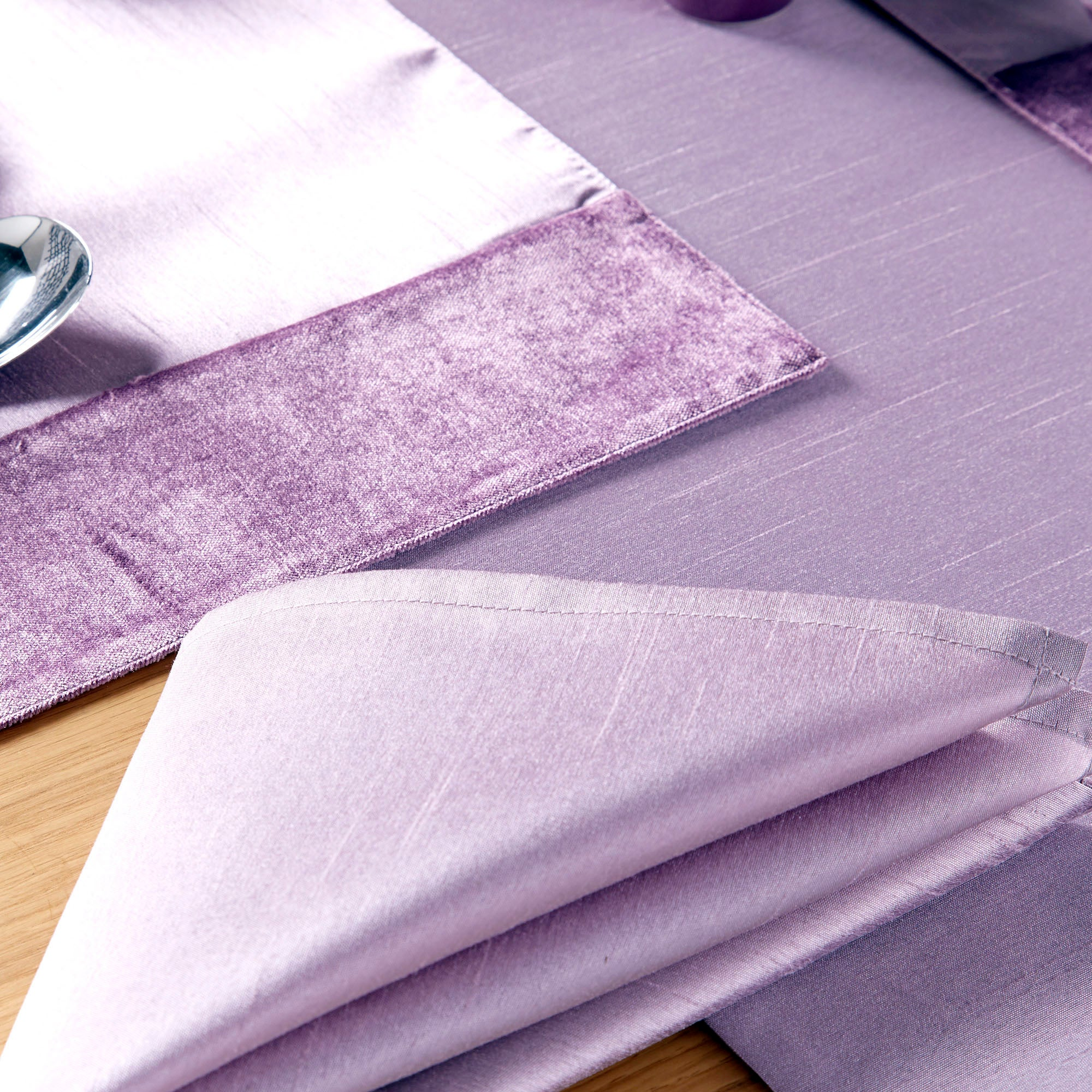 Sharis Collection Pack of Four Lilac Napkins