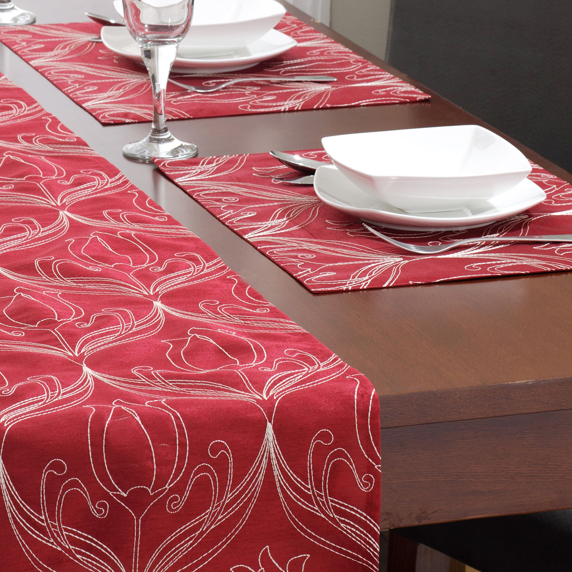 Red Lalique Collection Placemats