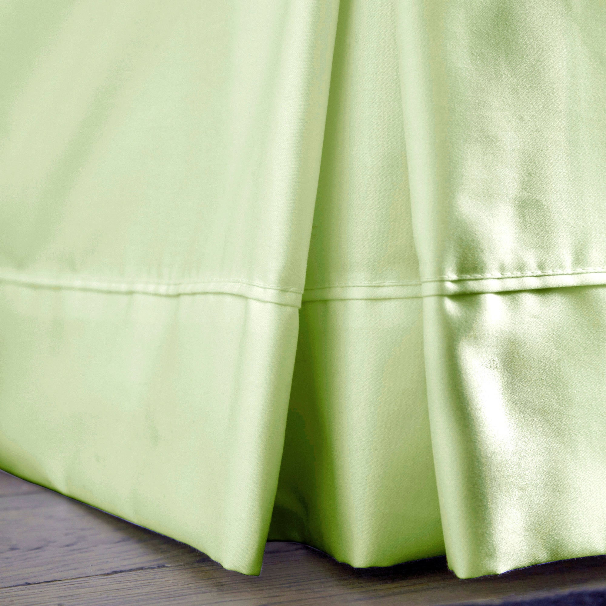 Dorma Green 350 Thread Count Plain Dye Collection Valance