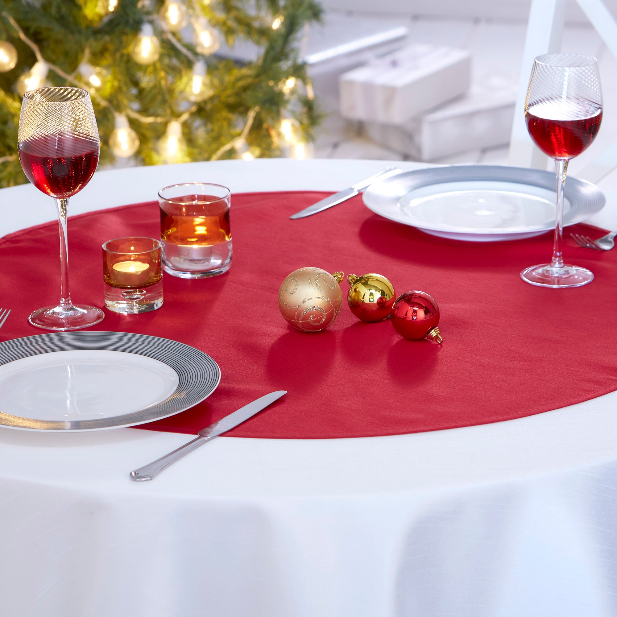 Red Round Faux Silk Table Topper