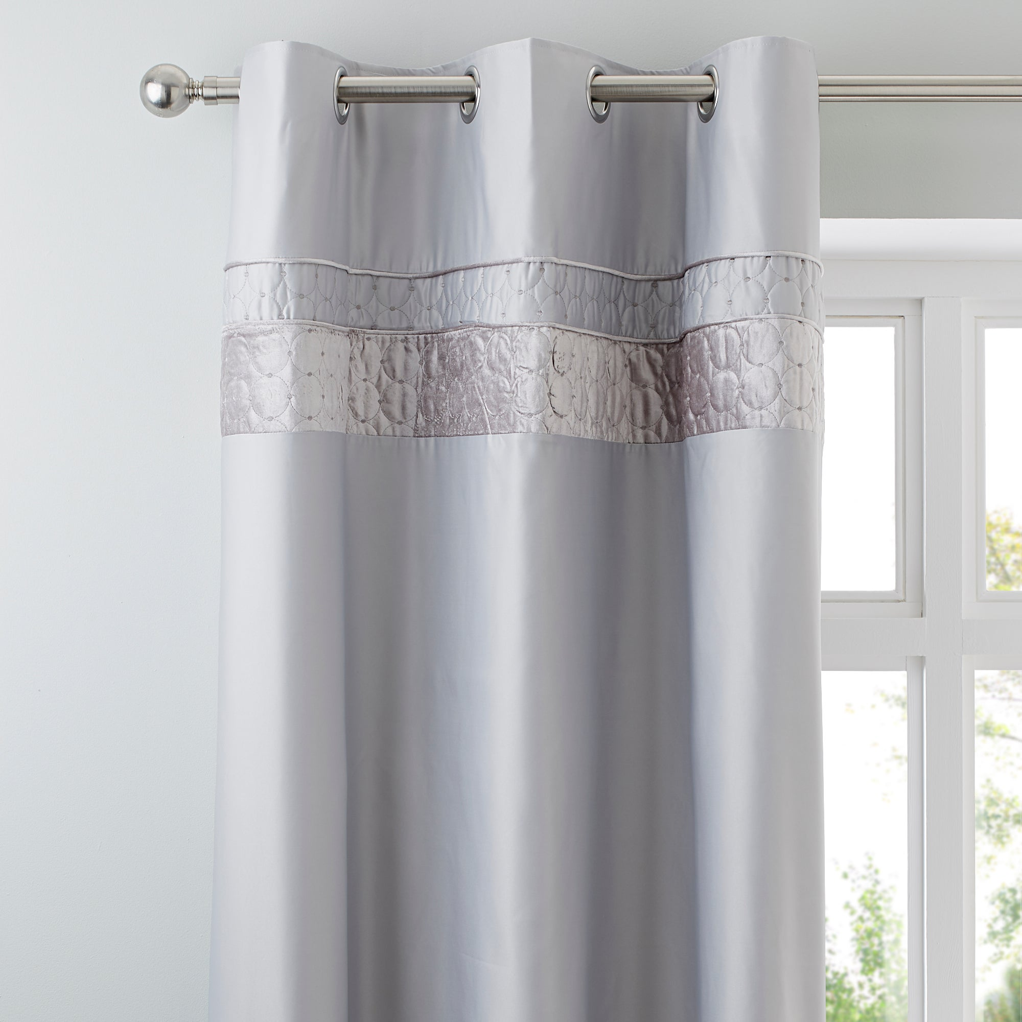 Silver Vienna Collection Thermal Eyelet Curtains