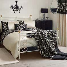 Black Baroque Flock Bedlinen Collection