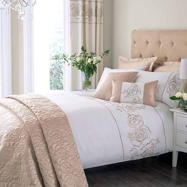 Gold Alura Bedlinen Collection