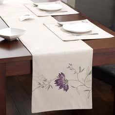Plum Amelia Tablelinen Collection