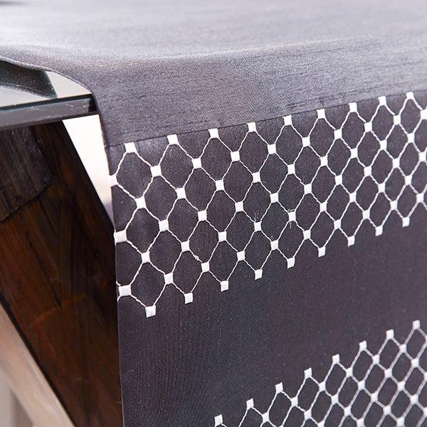 Black Diamond Faux Silk Tablelinen Collection