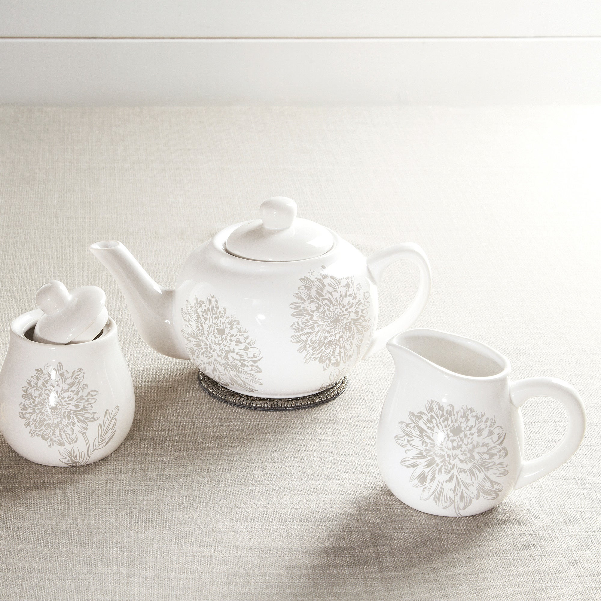 Etched Floral Dinnerware Collection