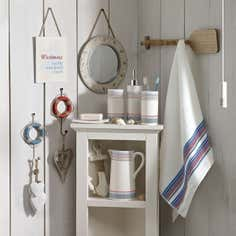 Hamptons Bathroom Collection
