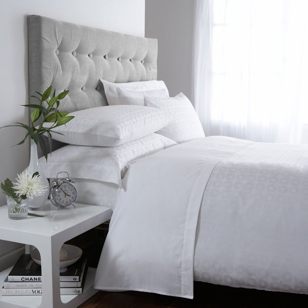 White Hotel Circles 300 Thread Count Bedlinen Collection