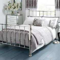 Silver Roma Damask Bedlinen Collection
