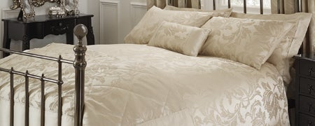 Gold Freya Bedlinen Collection