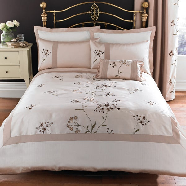 Gold Katherine Bedlinen Collection