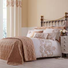 Gold Nina Bedlinen Collection