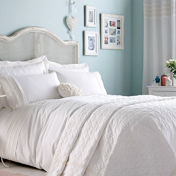 Ivory Avebury Bedlinen Collection