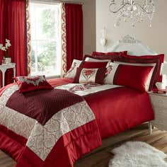 Red Beatrix Bedlinen Collection