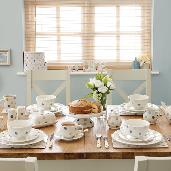 Blue Country Spot Dinnerware Collection