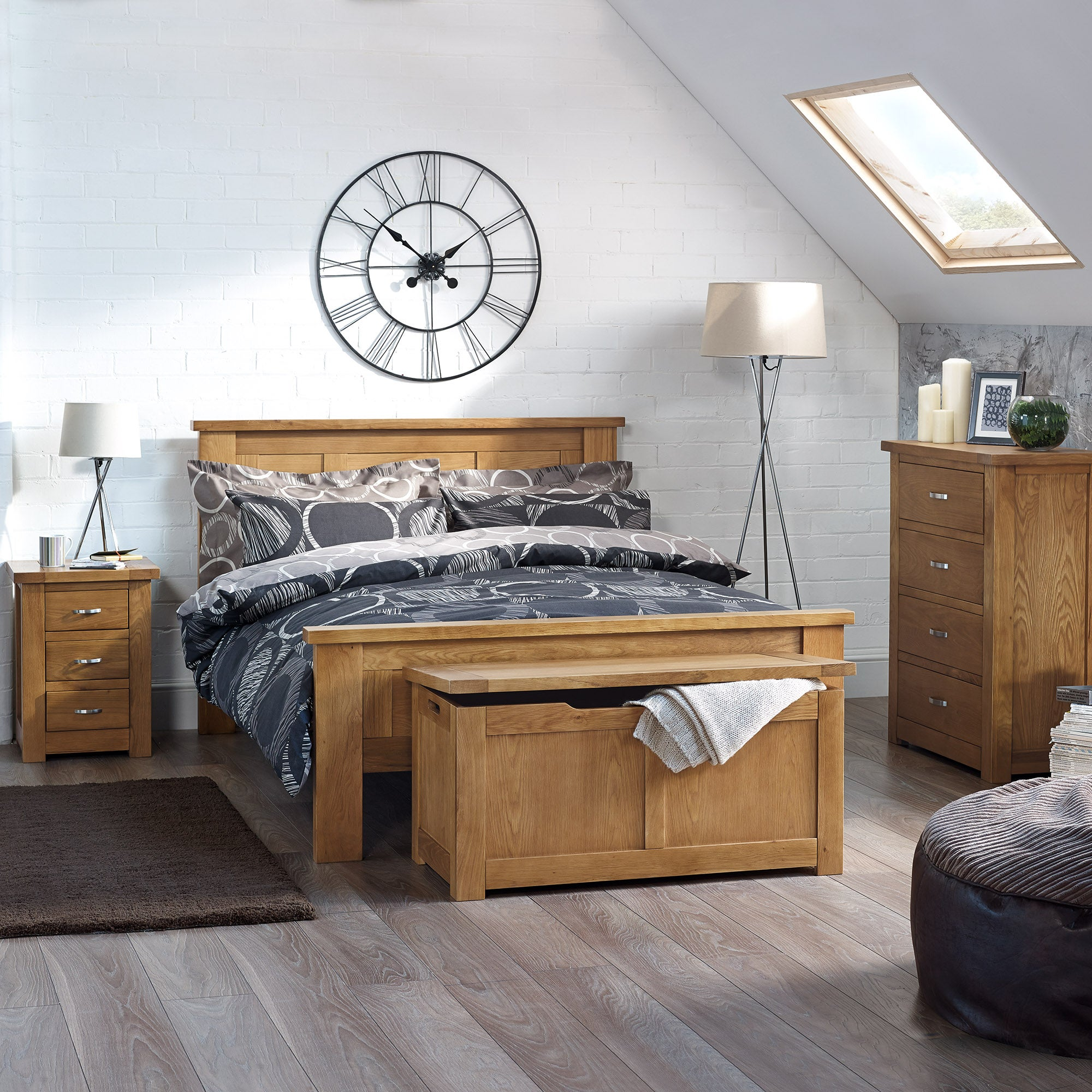 Richmond Oak Bedroom Furniture Collection