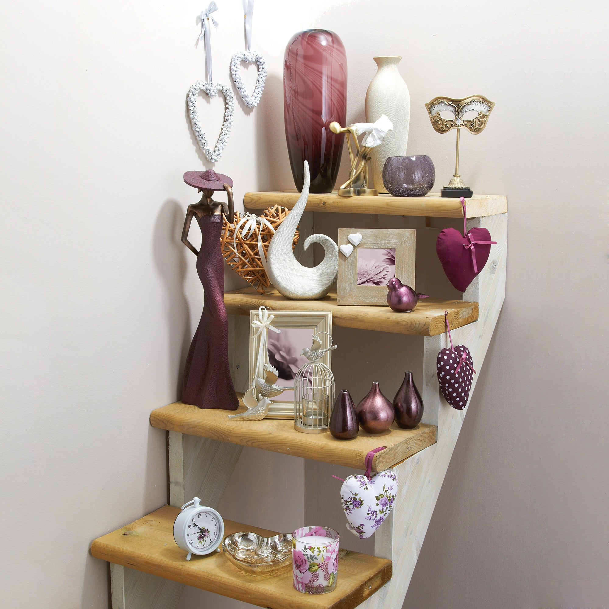 Plum Pudding Decor Collection
